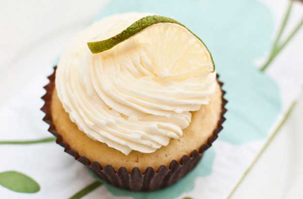 Lime drizzle cupcakes