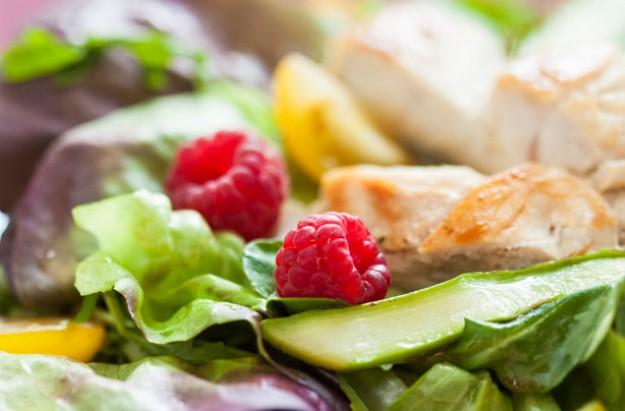 Warm chicken and raspberry salad