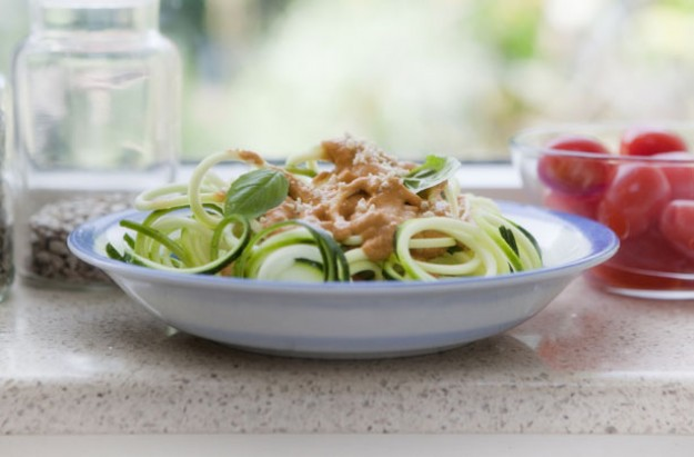 Fresh courgette salad with creamy tomato dressing
