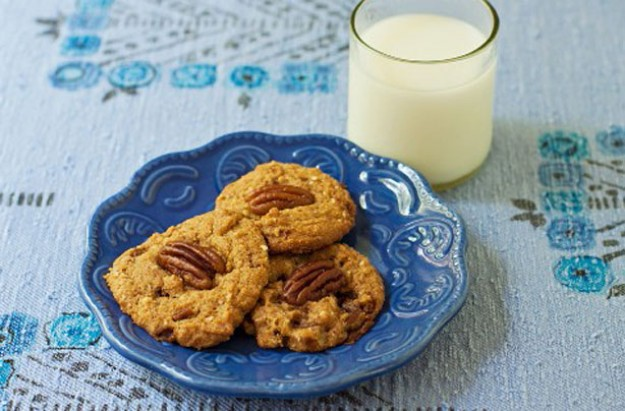 Gluten-free pecan cookies