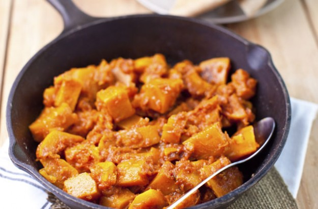 Pan-cooked pumpkin in rich tomato sauce