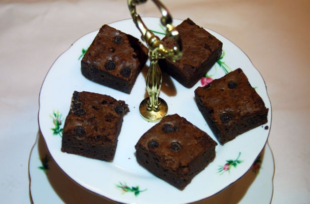 Sour cherry and pecan brownies