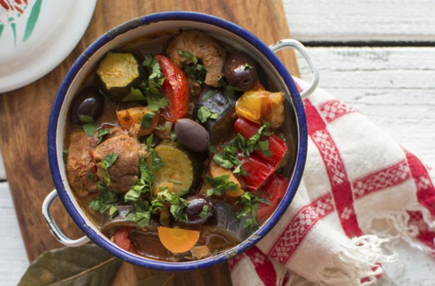 Lamb stew with black olives
