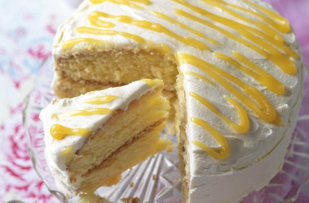 Our 10 best sandwich cake recipes - Lemon cake with lemon curd ...