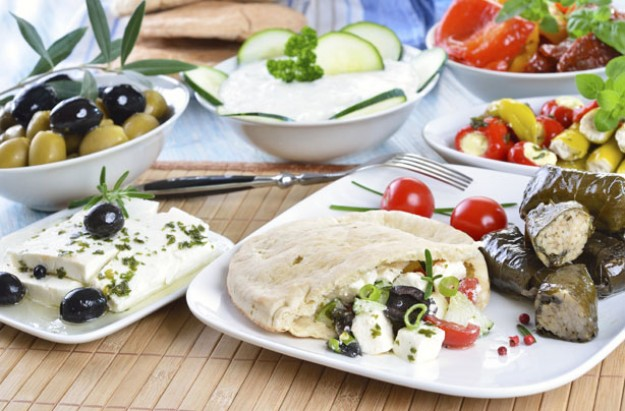 Greek salad pittas