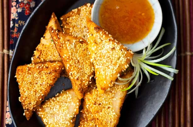 Sesame seed prawn toasts