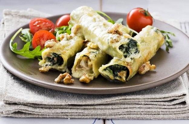Roquefort and spinach cannelloni