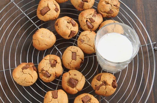Peanut butter and choc chip cookies