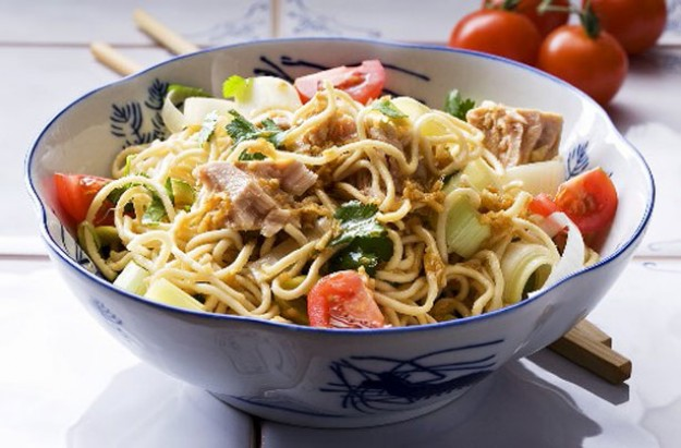 Tuna and noodle salad