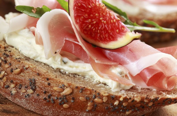 30 tasty sandwich fillings - Prosciutto and fig open sandwich ...