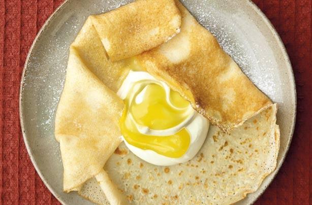 Lemon and mascarpone crepes