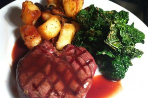 Venison steaks with red wine sauce