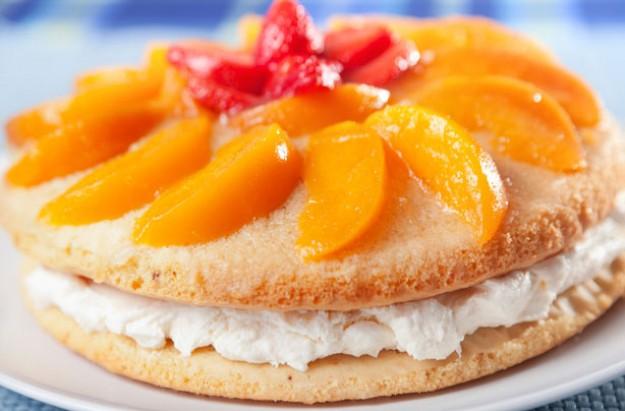 Vanilla peach cake