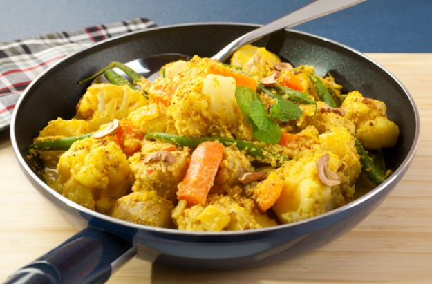 Cauliflower, potato and carrot curry
