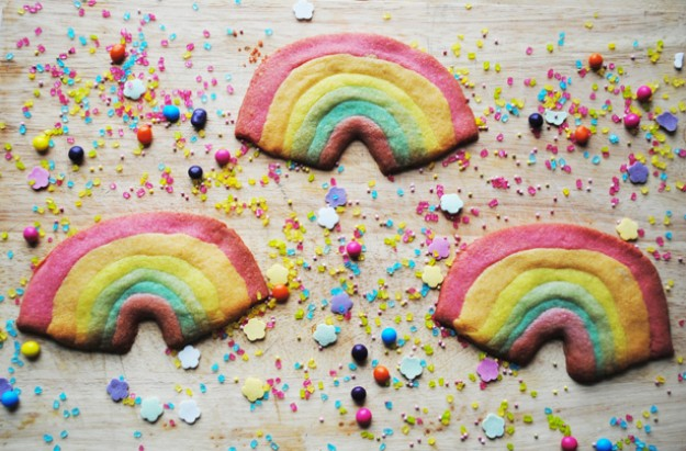 Mother's Day biscuits: Rainbow