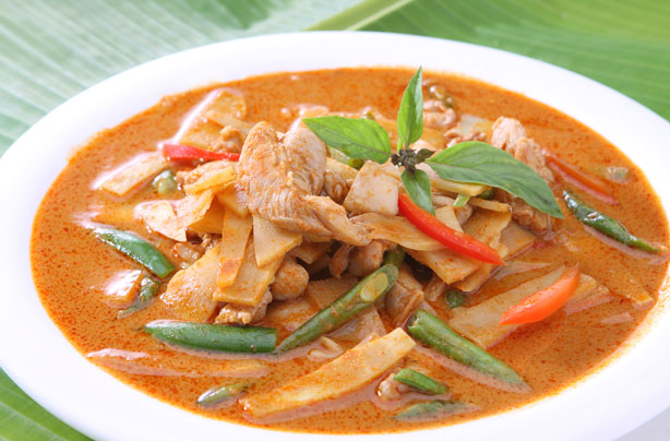 Red thai chicken bean and bamboo curry recipe goodtoknow for Best thai red curry