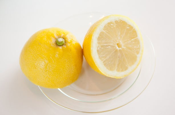 How to freeze lemons
