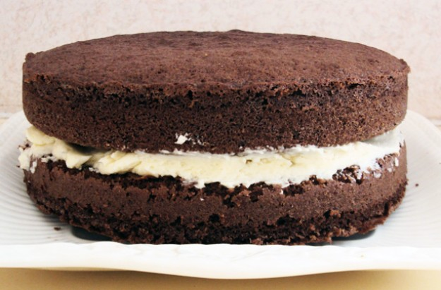 Ann Brooks' chocolate sponge cake recipe - goodtoknow