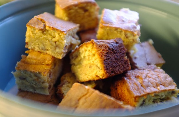 Pecan and banana blondies