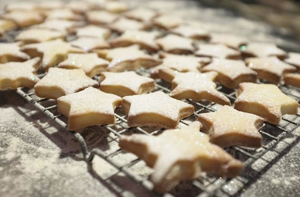 Christmas biscuits recipes: Shortbread star biscuits