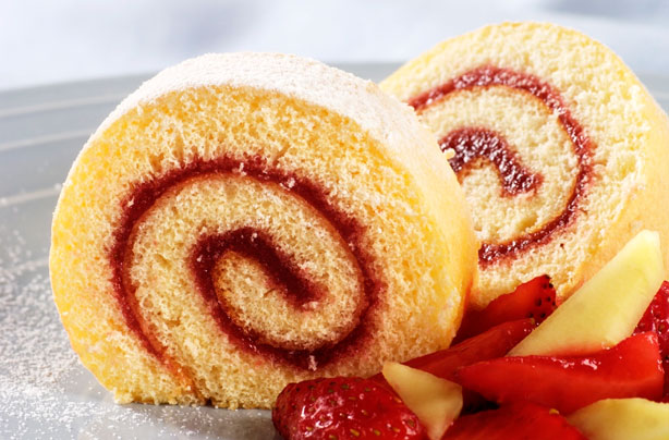 Almond and raspberry Swiss roll recipe - goodtoknow