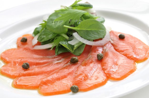 Smoked salmon and caper salad