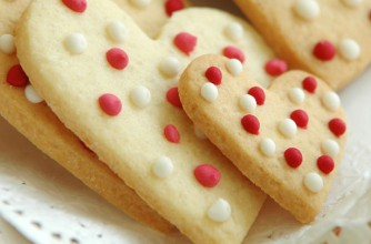 Iced heart biscuits