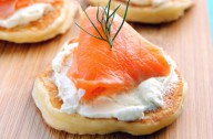 Smoked salmon cocktail blinis