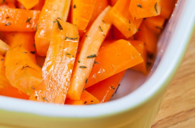 Honey glazed carrots with parsley