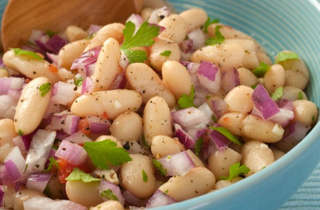 Summer white bean salad