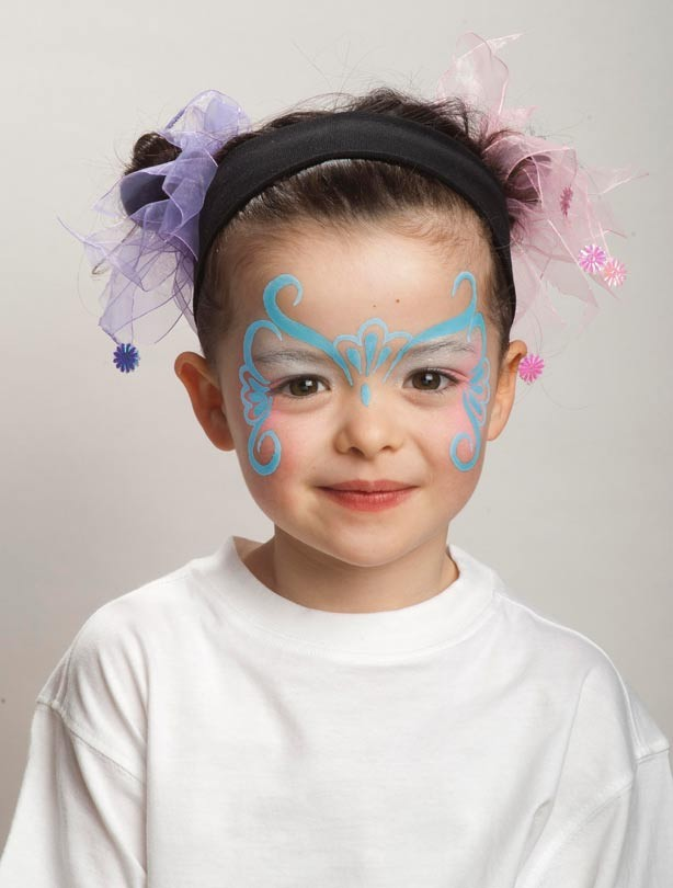 Butterfly face painting: step 2