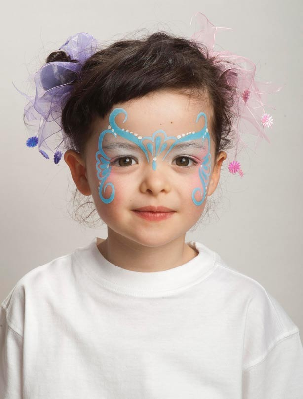 Butterfly face painting: step 3
