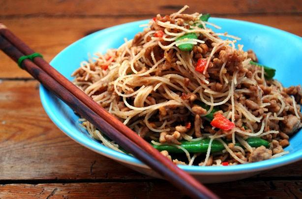 Pork satay noodles