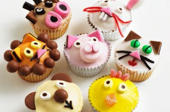 Animal face fairy cakes