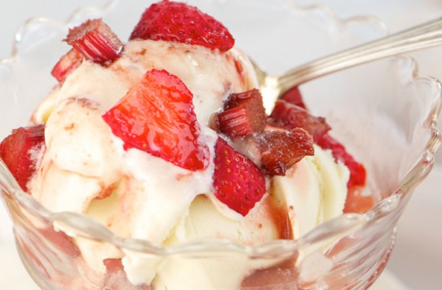 Rhubarb and strawberries with balsamic vinegar