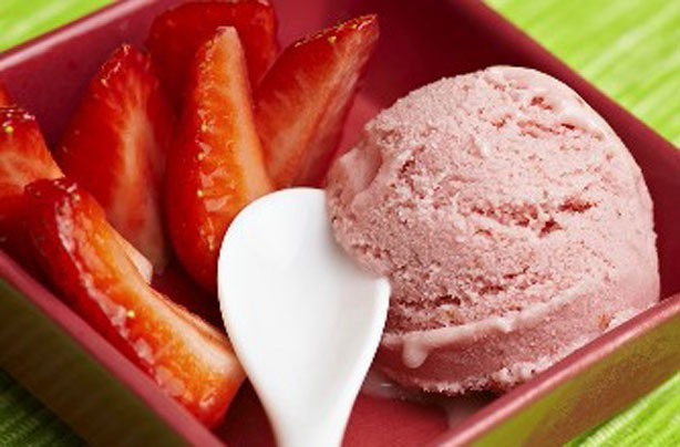 Dairy-free strawberry yogurt ice