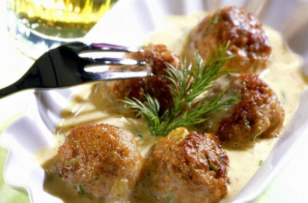 Pork balls with mustard sauce