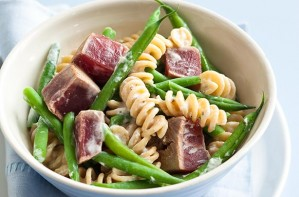 Tuna, green beans and pasta