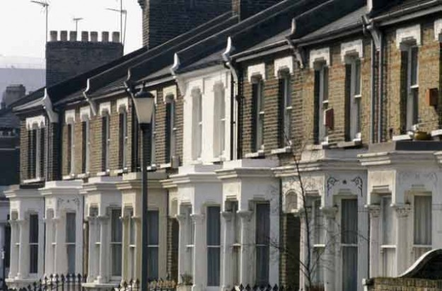 Rent spare room_terraced houses_credit_Photofusion_Rex Features