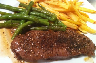 Sirloin steak with pepper and brandy sauce