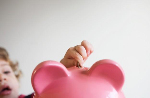 Child's piggy bank, kids' savings accounts