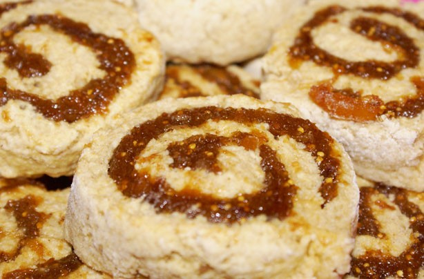 Fig and date spirals