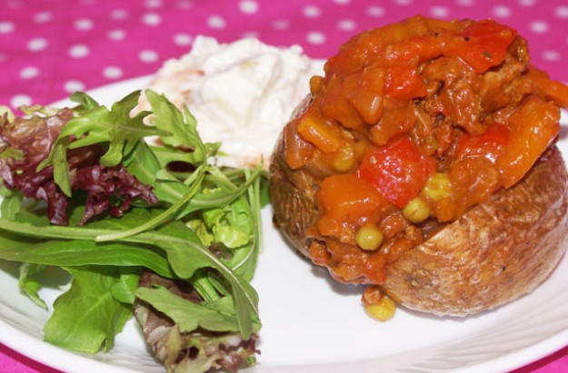 Vegetable and beef jacket potato filling