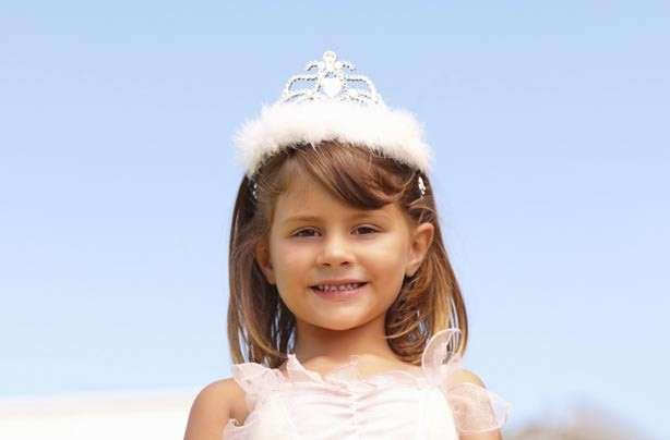 Little girl wearing a crown