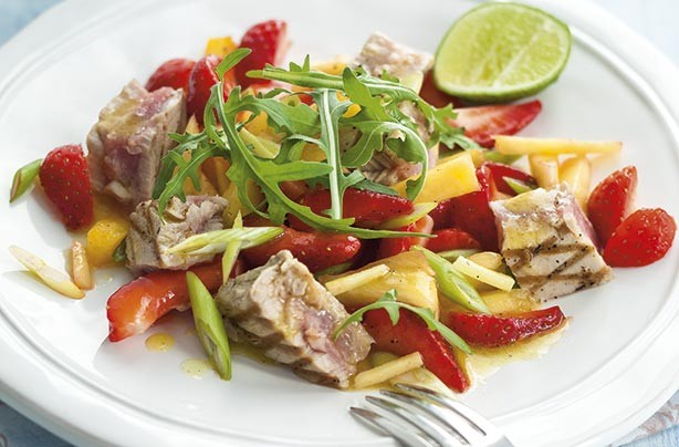 Tuna and strawberry salad