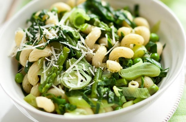 Leek, asparagus and pea pasta