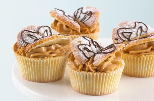 Annabel Karmel's banana butterfly cakes