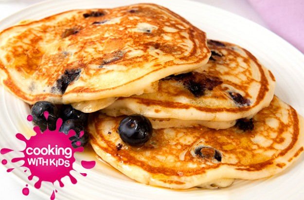 Blueberry pancakes to make with kids