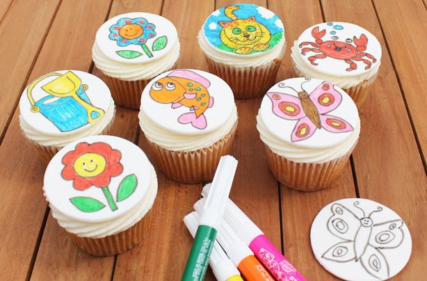 Colouring cupcakes