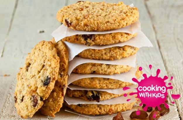 Make with kids: Oat raisin cookies